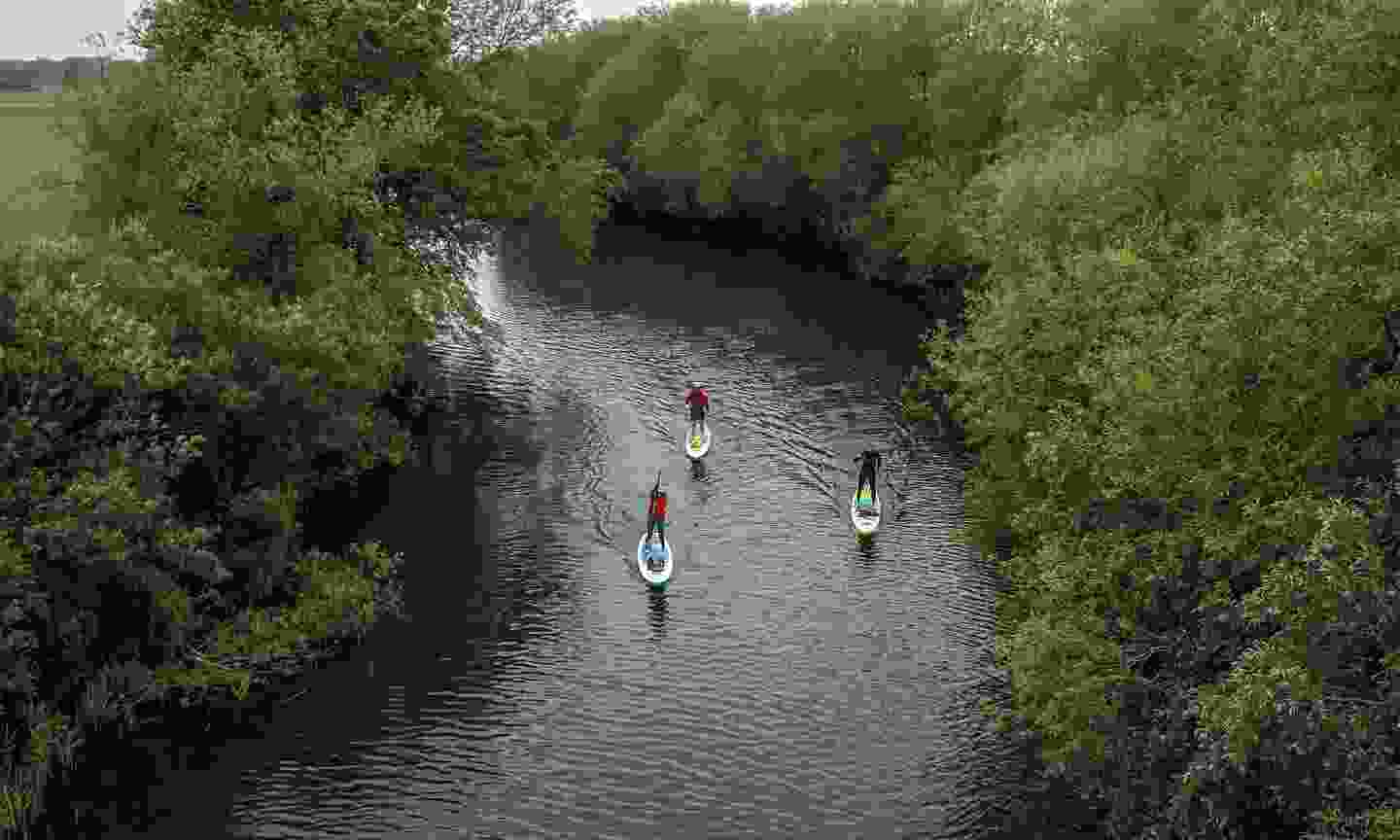 Paddling along the River Great Ouse (GlobalShots)