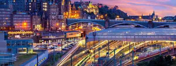 Night view of Waverley station in Edinburgh (Shutterstock)