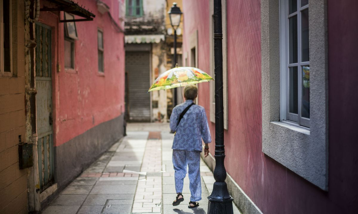 The streets of Taipa village (MGTB)