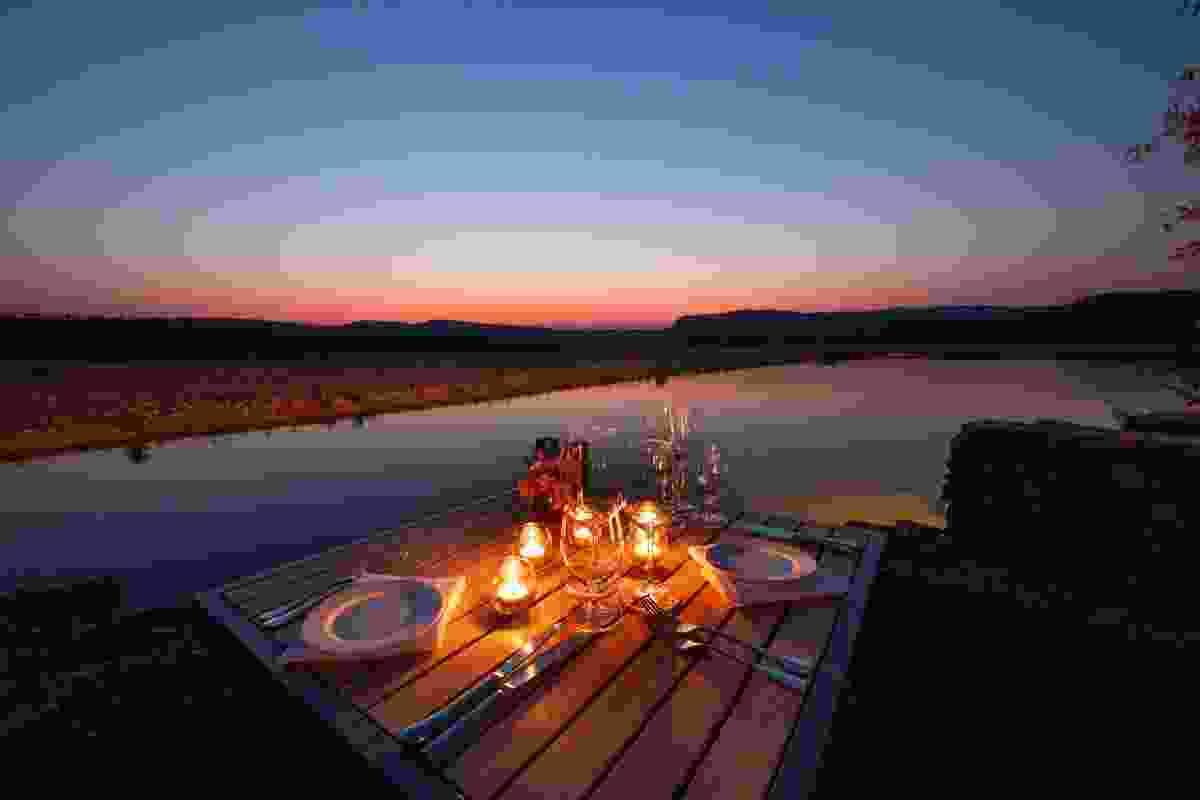 Cliff-side dining at El Questro (El Questro)