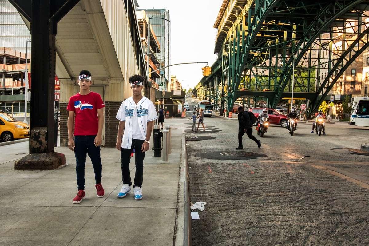 Local boys, Broadway, Manhattan (Richard Koek)