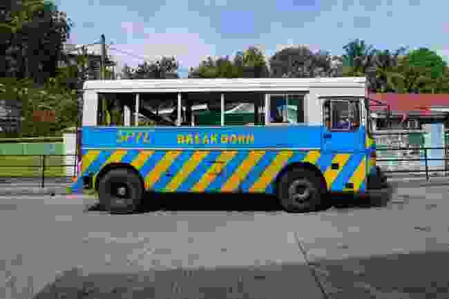 Breakdown bus on Mahé (Peter Moore)