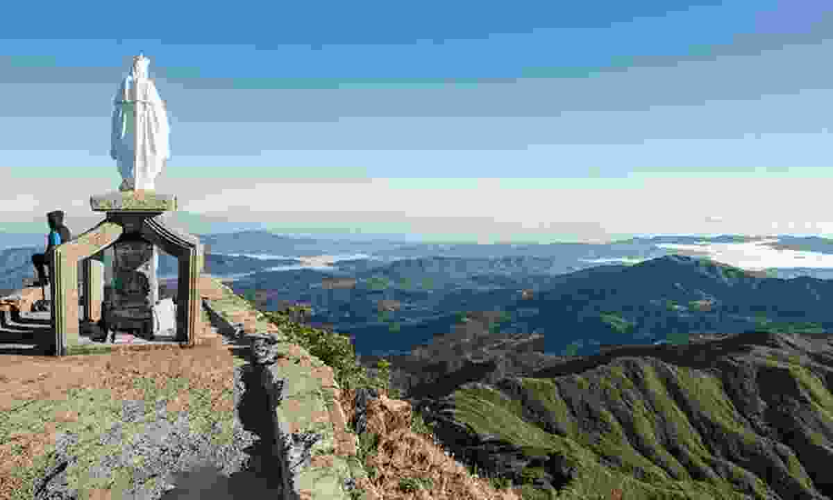 The Virgin Mary on top of Mount Ramelau (TimorLeste.tl)