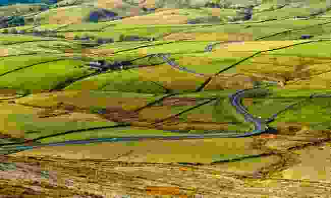 The A537 viewed from Shining Tor (Shutterstock)
