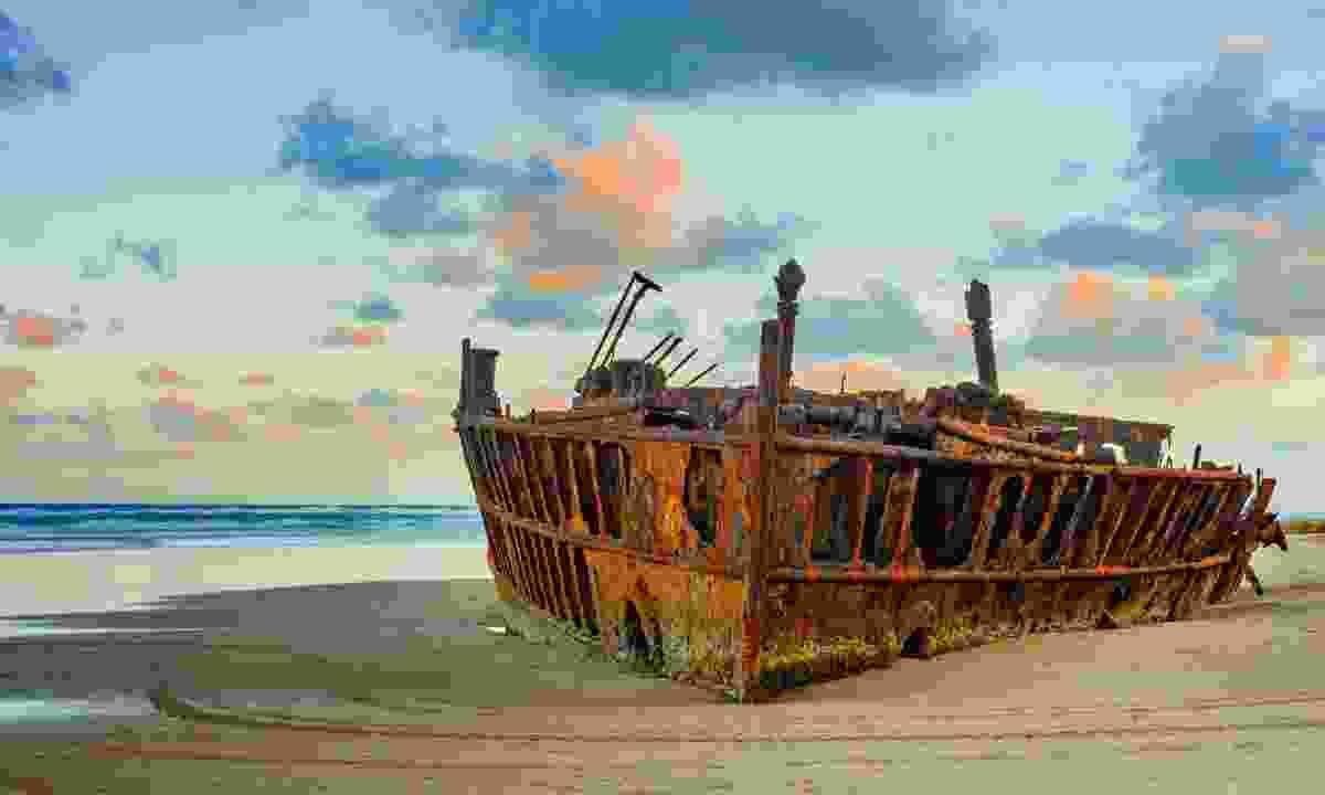 The Maheno shipwreck at sunrise (Shutterstock)