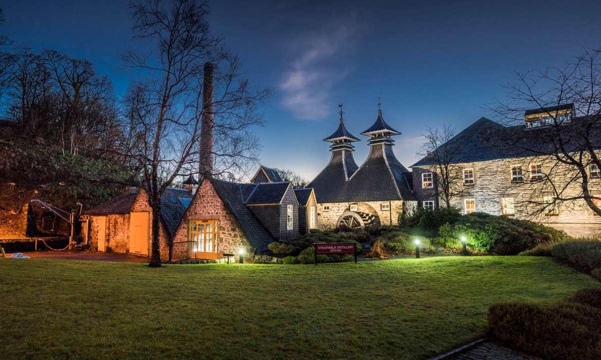 The distillery at night (Strathisla Distillery)