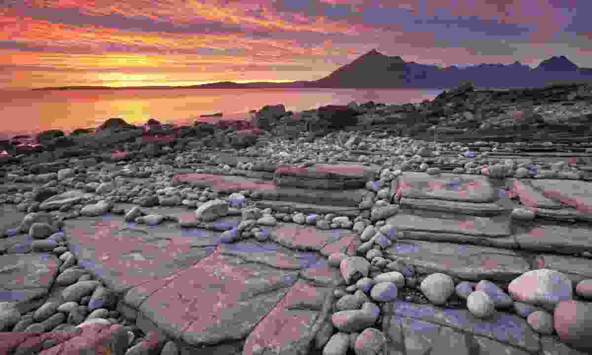 Sunset at Elgol beach (Dreamstime)