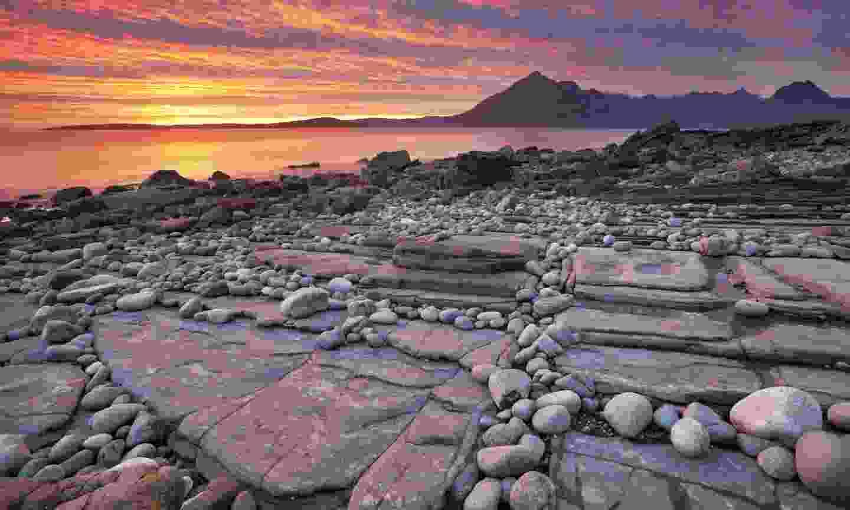 Sunset at Elgol beach (Dreamstime)