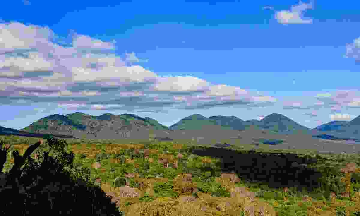 View of volcanoes in Cerro Verde National Park (Dreamstime)