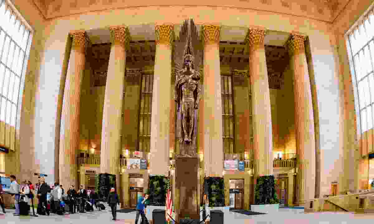 The collonaded interior of Philadelphia's 30th St Station (Dreamstime)