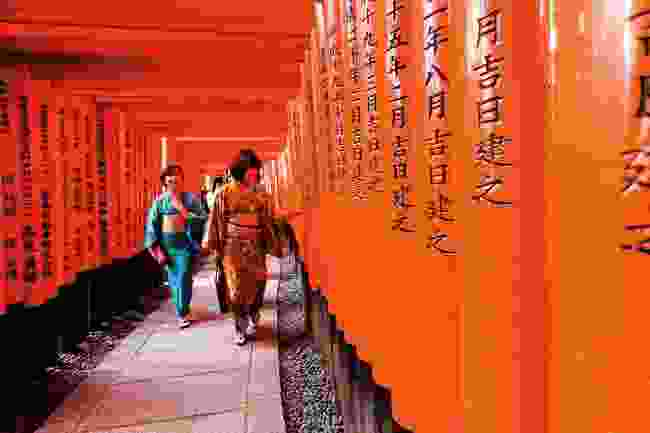 The vermilion torii gate, Kyoto (Shutterstock)