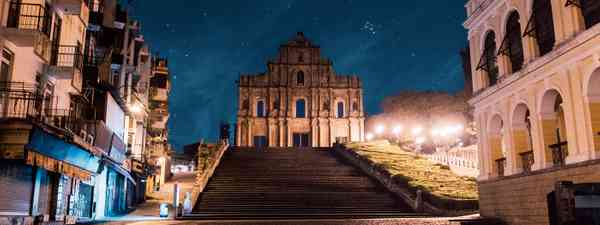 The iconic ruins of St Paul's (MGTO)