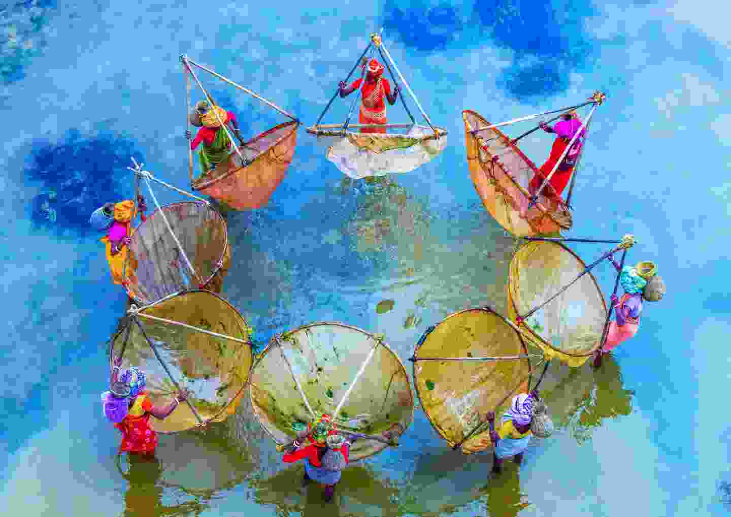 Colourful fishing West Bengal/Jharkhand border, India (Debasish Chakraborty)