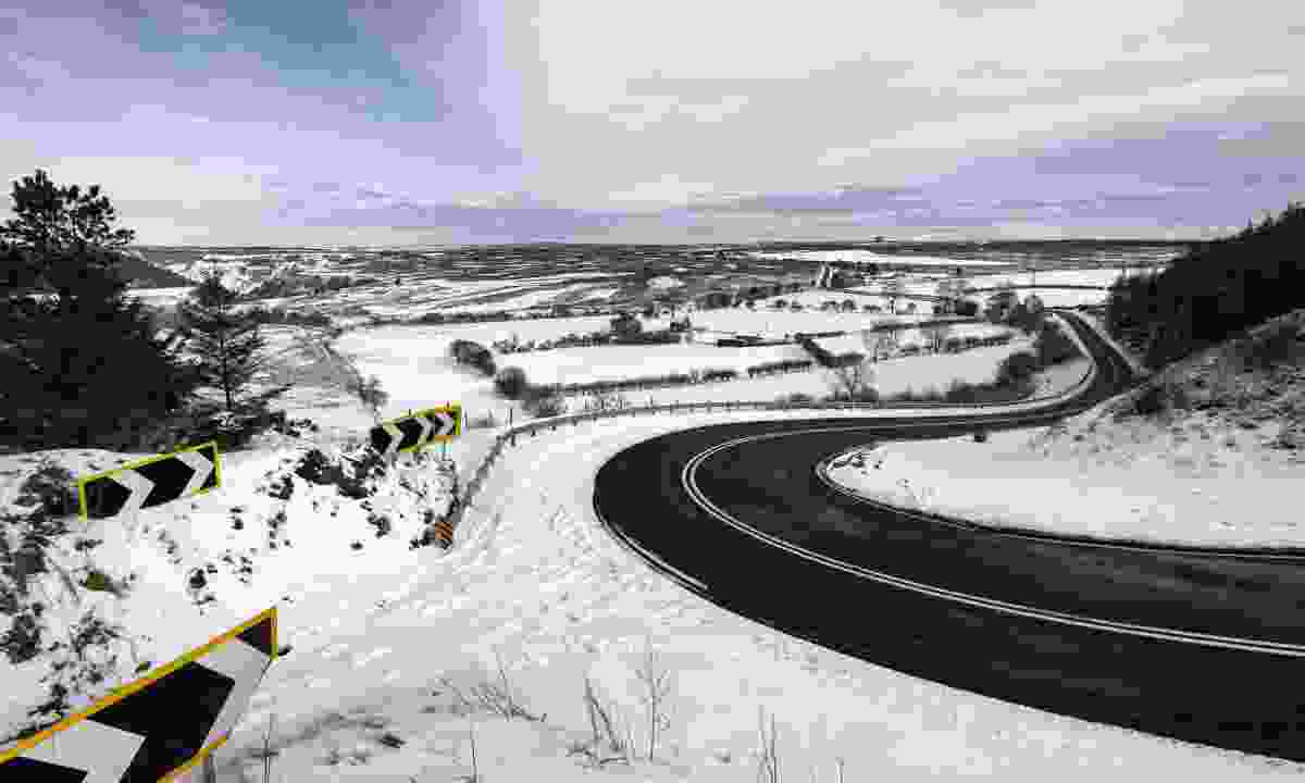 The A169 on a snow covered winter morning near the village of Goathland (Shutterstock)