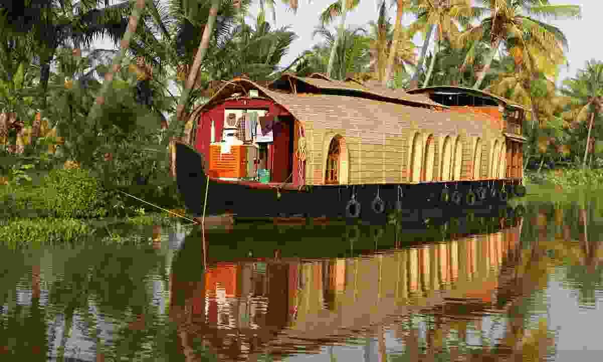 Kerala houseboat (Dreamstime)