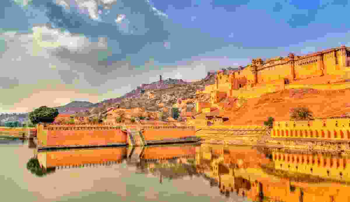 Amer and Jaigarh Forts and Kesar Kyari Garden, Maotha Lake, Rajasthan, India (Dreamstime)
