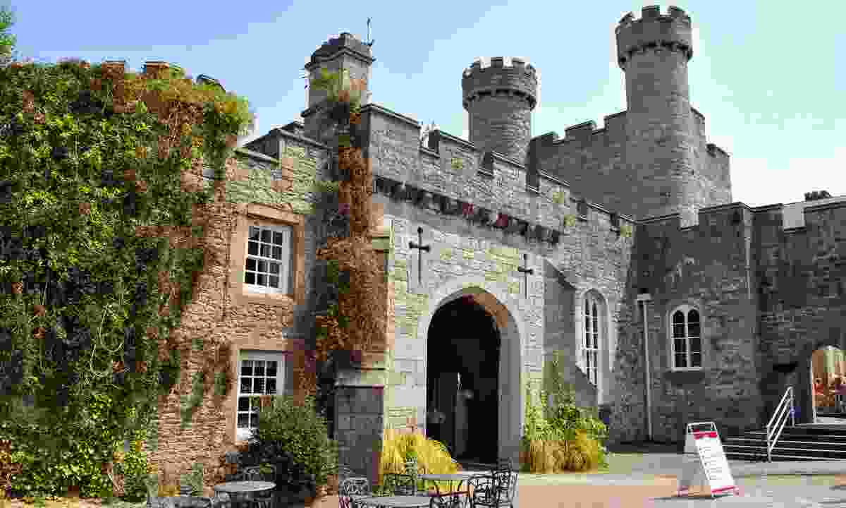 Ruthin Castle, Denbighshire, North Wales (Dreamstime)