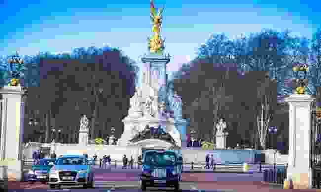 Th black cab is an icon of London (Shutterstock)