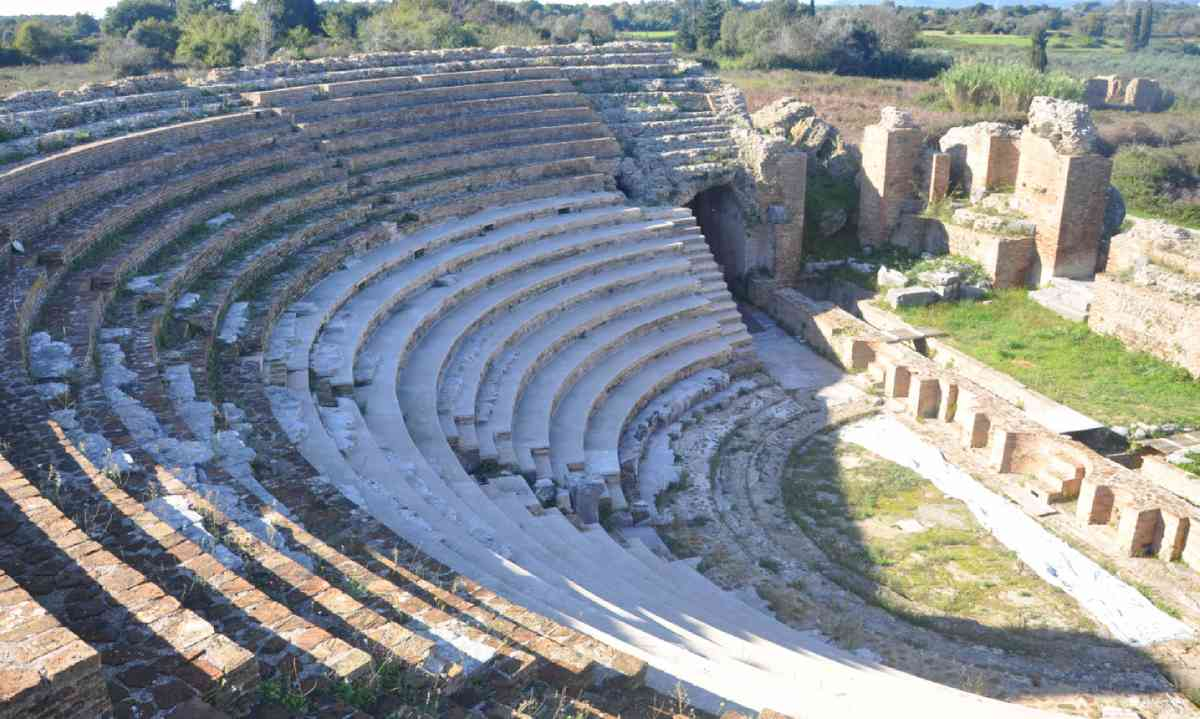 Nikopolis Theatre (Marc Dubin)