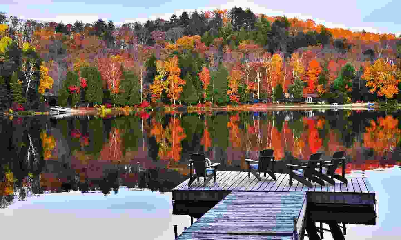 One of the Muskoka lakes in autumn (Shutterstock)