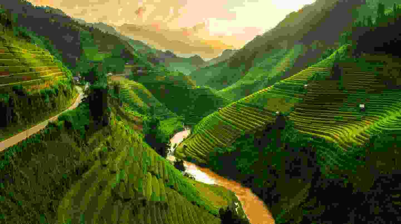 Mu Cang Chai, a landscape terraced rice field near Sapa, Vietnam (Shutterstock)