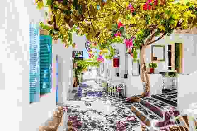 Paros (Shutterstock)