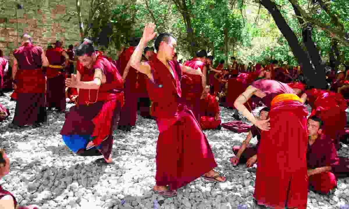 Monks debating at Sera (Dreamstime)