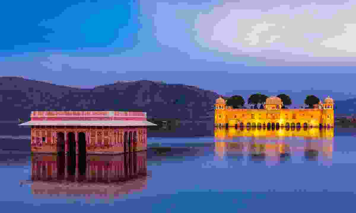 Jal Mahal in the evening twilight (Shutterstock)