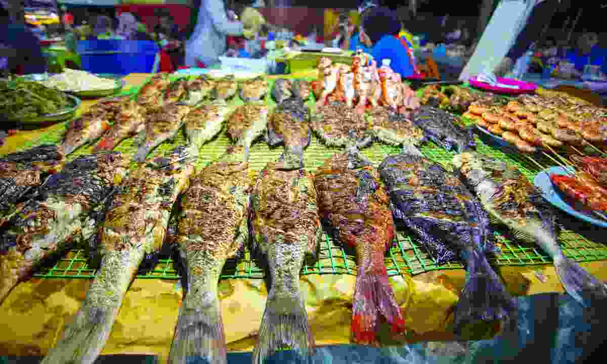 Variety of grilled seafood in Kota Kinabalu night market, Borneo (Dreamstime)
