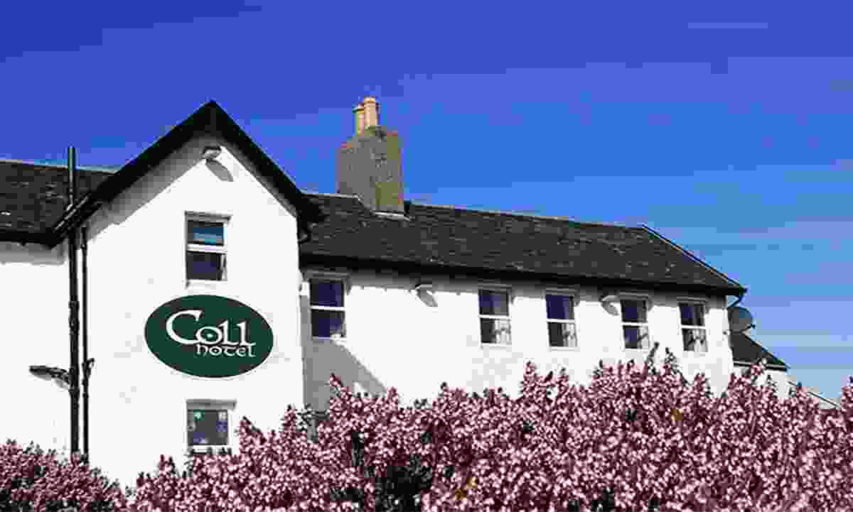 The heather-surrounded Coll Hotel (Coll Hotel)