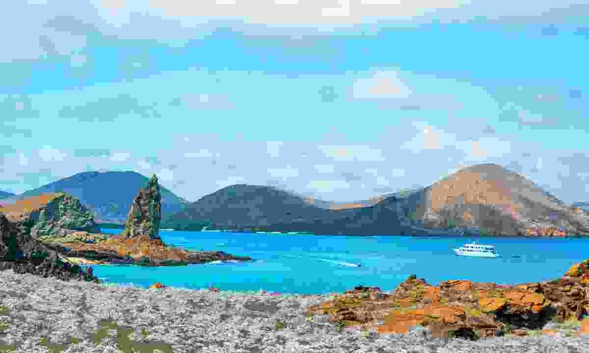 Cruise around the islands (Shutterstock)