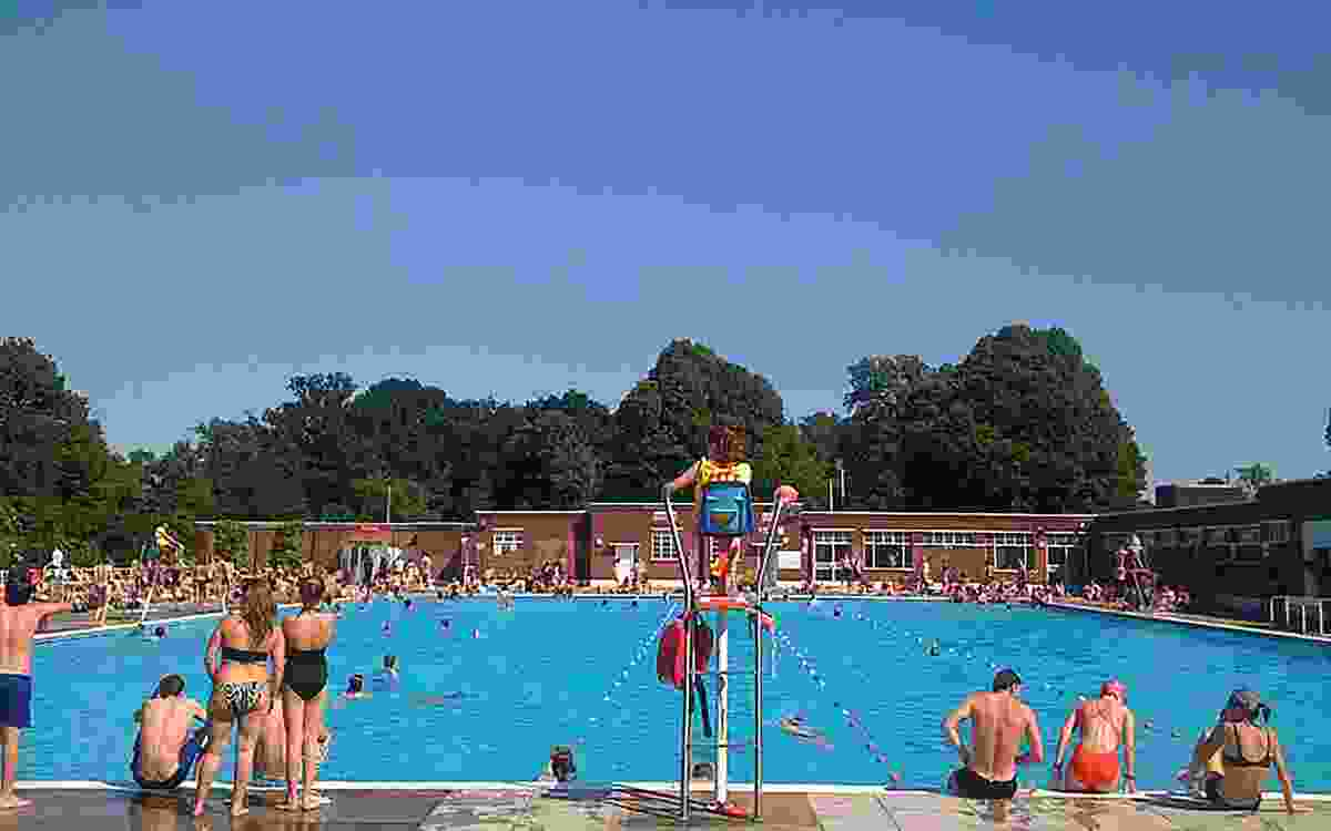 Brockwell Lido (Creative Commons)