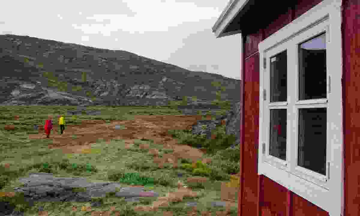 The two Melanies leave Eqalugaarniarfik Hut (Phoebe Smith)