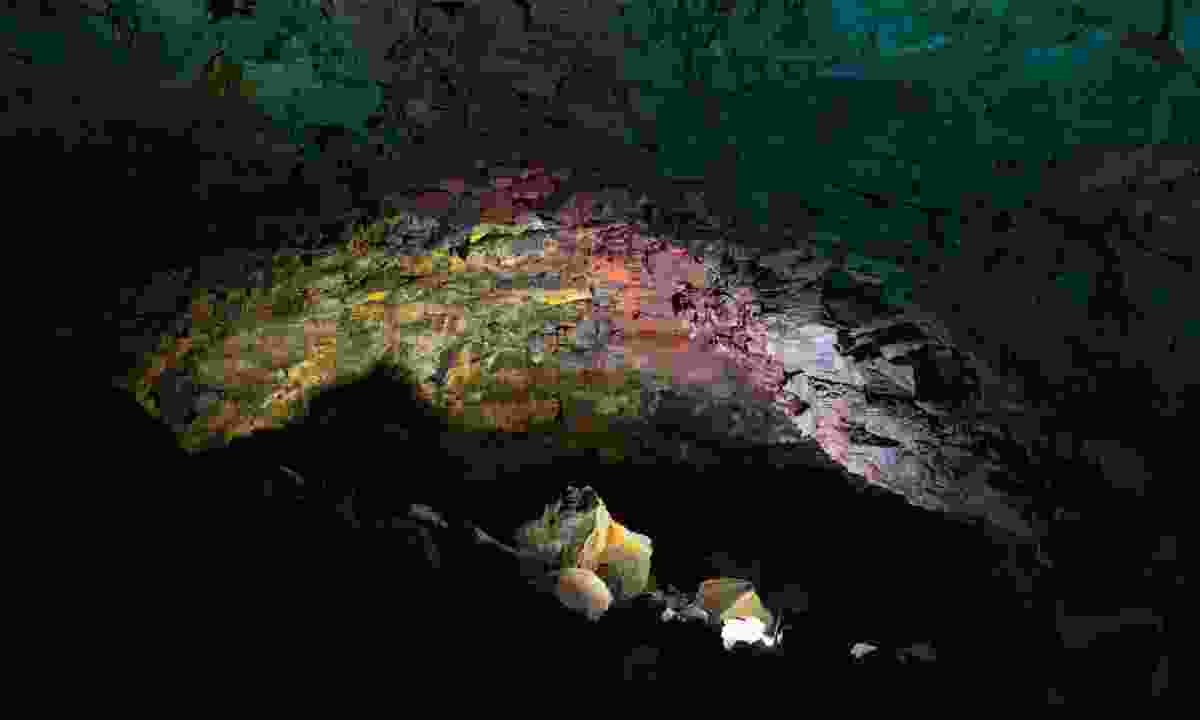 Inside Thrihnukagigur volcano (Dreamstime)