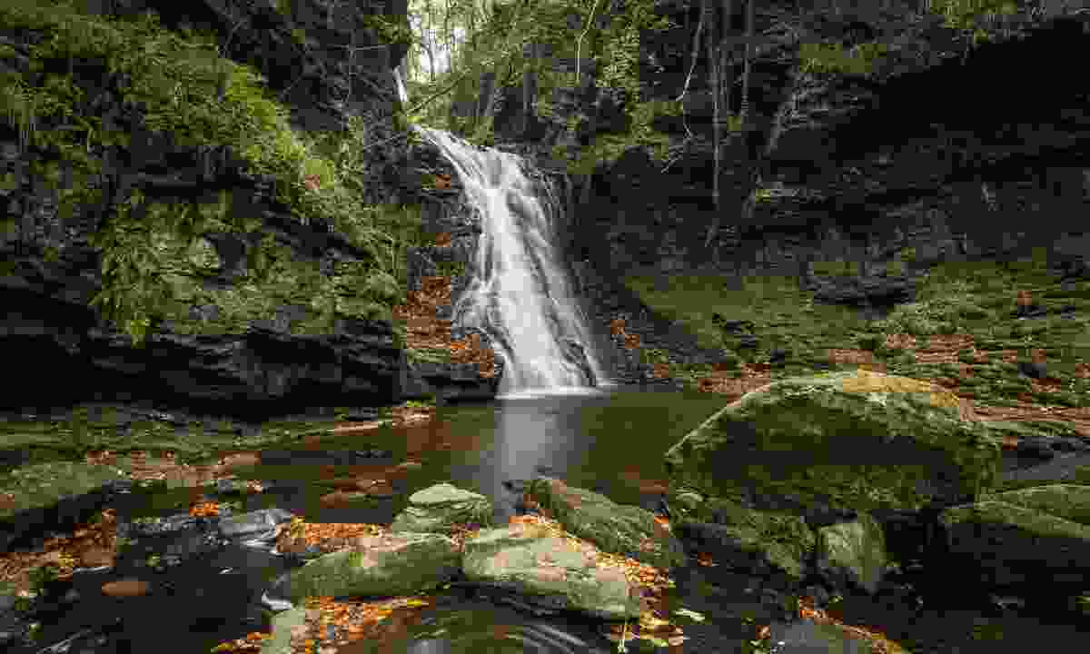 Hareshaw Linn waterfall (Shutterstock)