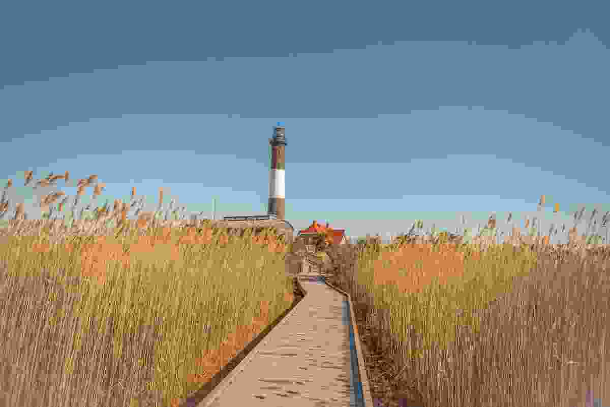 The path to the famous Fire Island Lighthouse (Shutterstock)