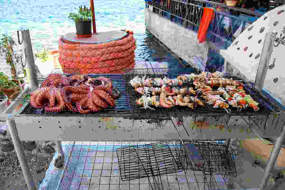 A seafood barbecue by the Mediterranean Sea (Shutterstock)
