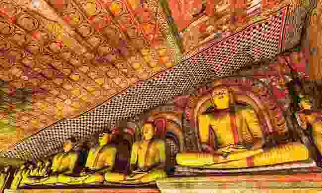 Buddhas at Dambulla's caves (Dreamstime)