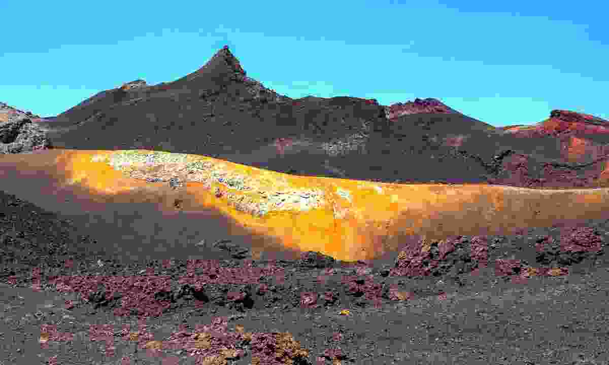 Volcanic hues of Volcán Chico (Shutterstock)