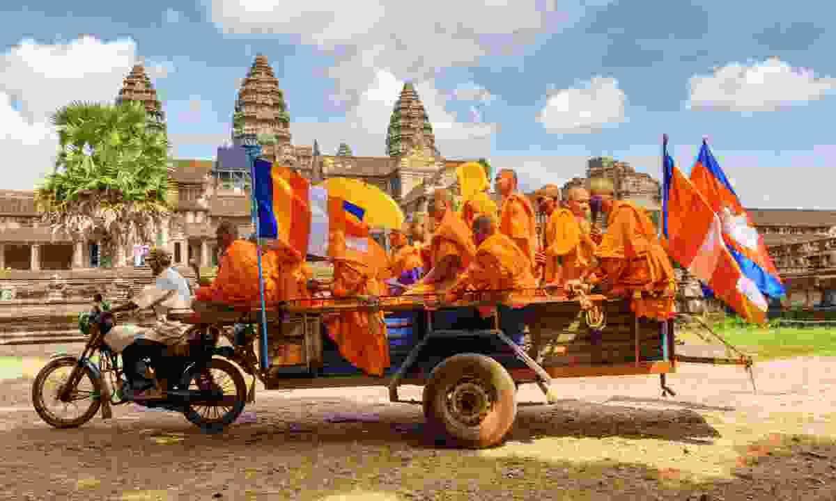 Monks in Angkor Wat (Dreamstime)