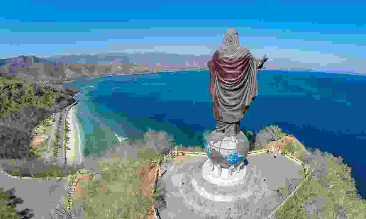 Cristo Rei of Dili (Shutterstock)