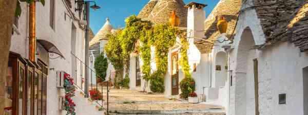 Trulli of Alberobello, Puglia, Italy (Shutterstock)