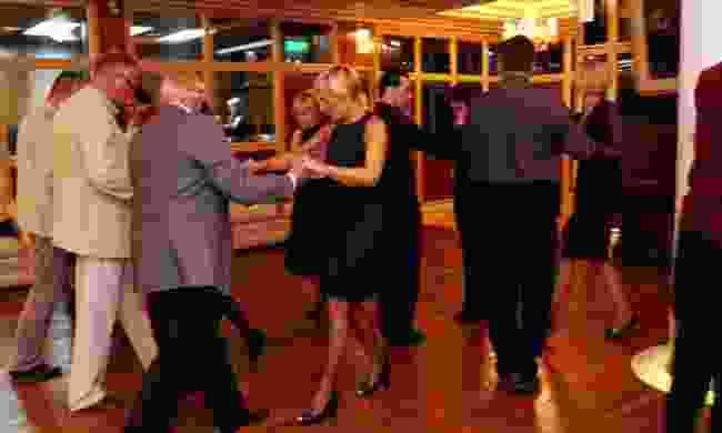 Group tango class (Chris Moss)