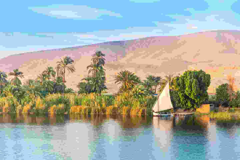 Sailboats sliding on River Nile, Egypt (Shutterstock)
