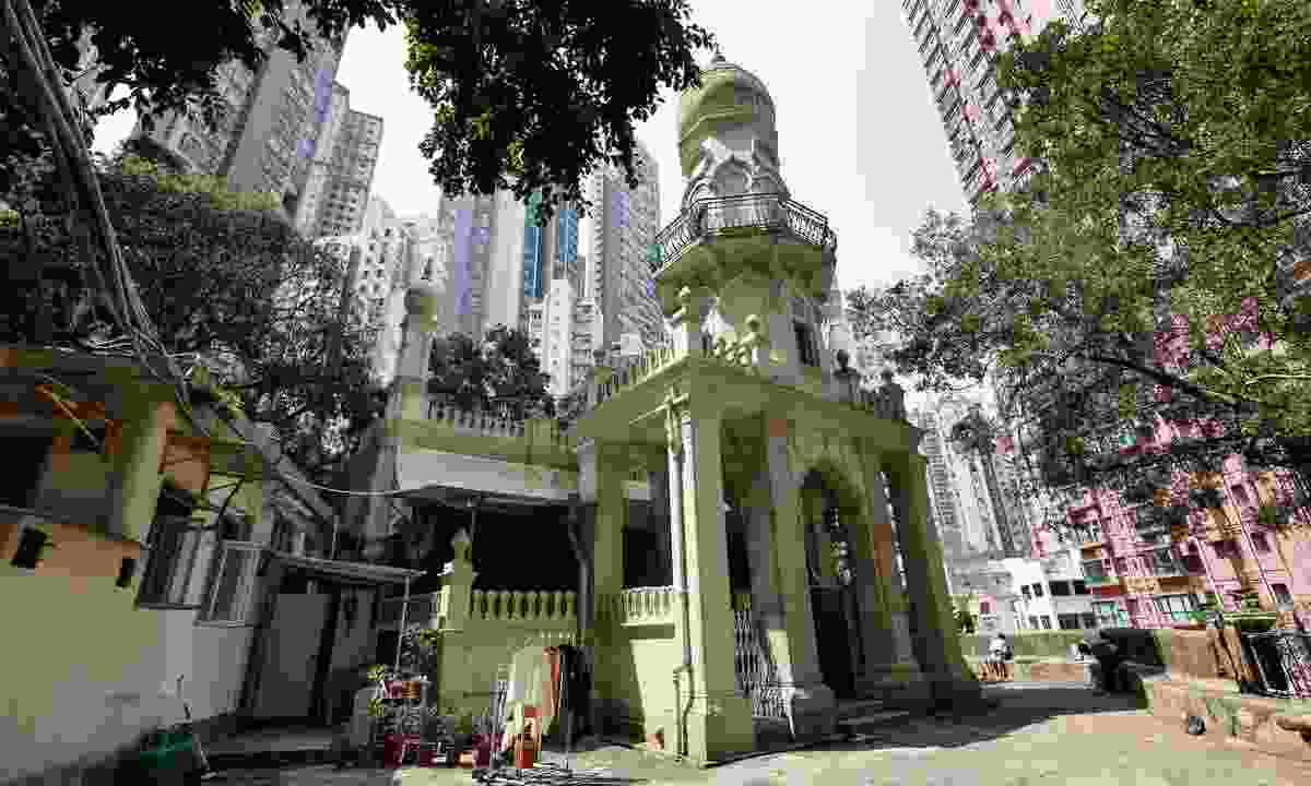 Jamia Mosque or Shelley Street Mosque is one of the many attraction in Old Town Central (Shutterstock)