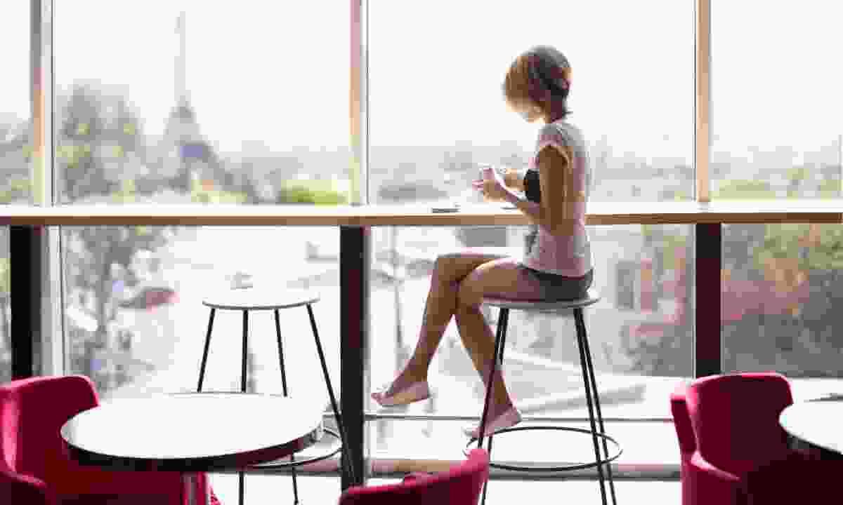 Coffee in Paris (Dreamstime)