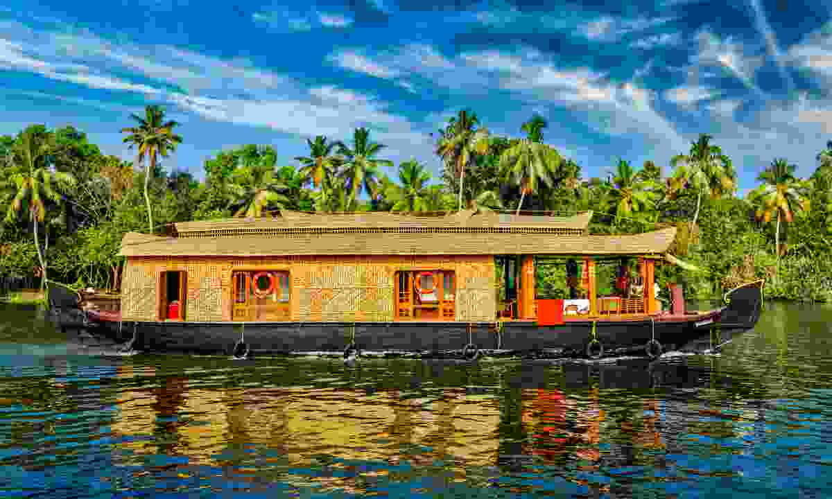 Houseboat on Kerala backwaters (Dreamstime)