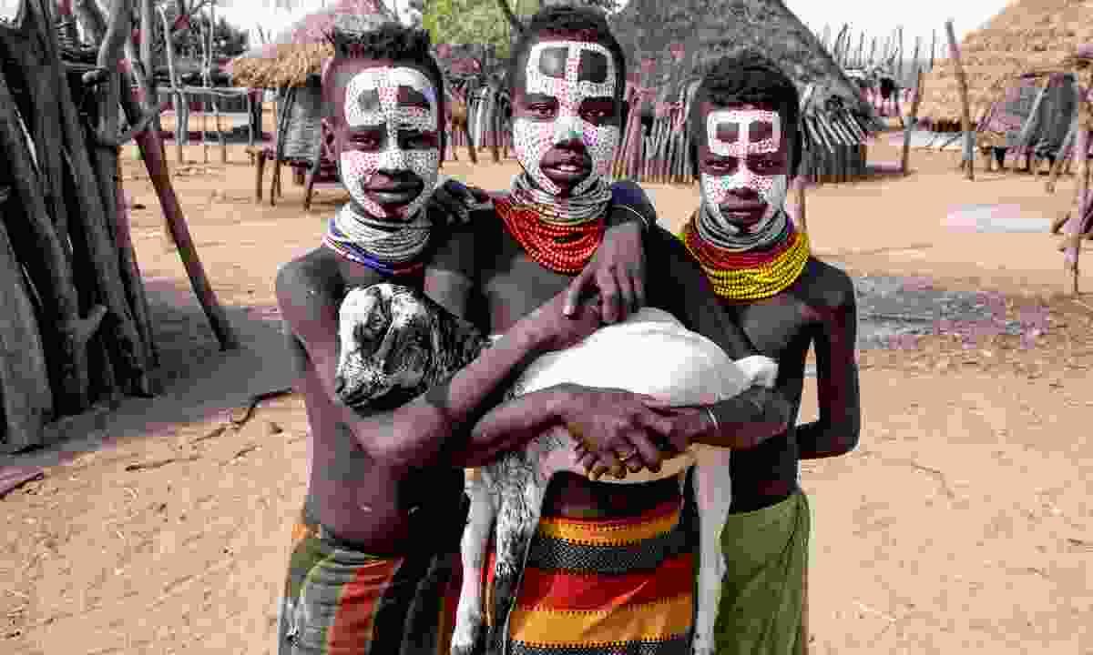 Karo tribe in Omo Valley (Shutterstock)