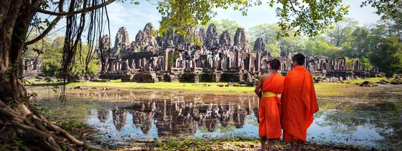 Monks at Angkor Wat (Shutterstock)