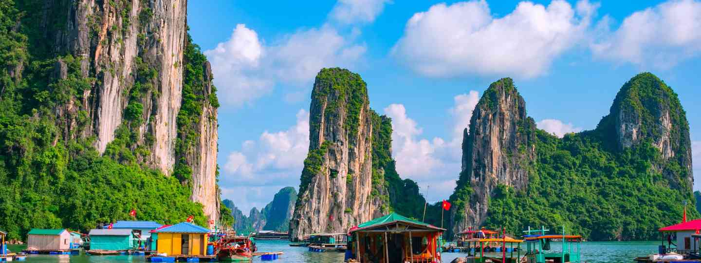 Halong Bay floating village (Dreamstime)